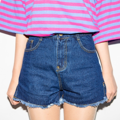Side Slit Frayed Hem Denim Shorts