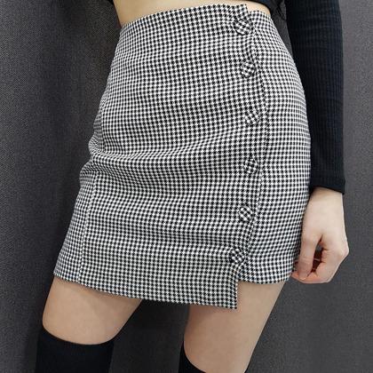 Houndstooth Buttoned Mini Skirt