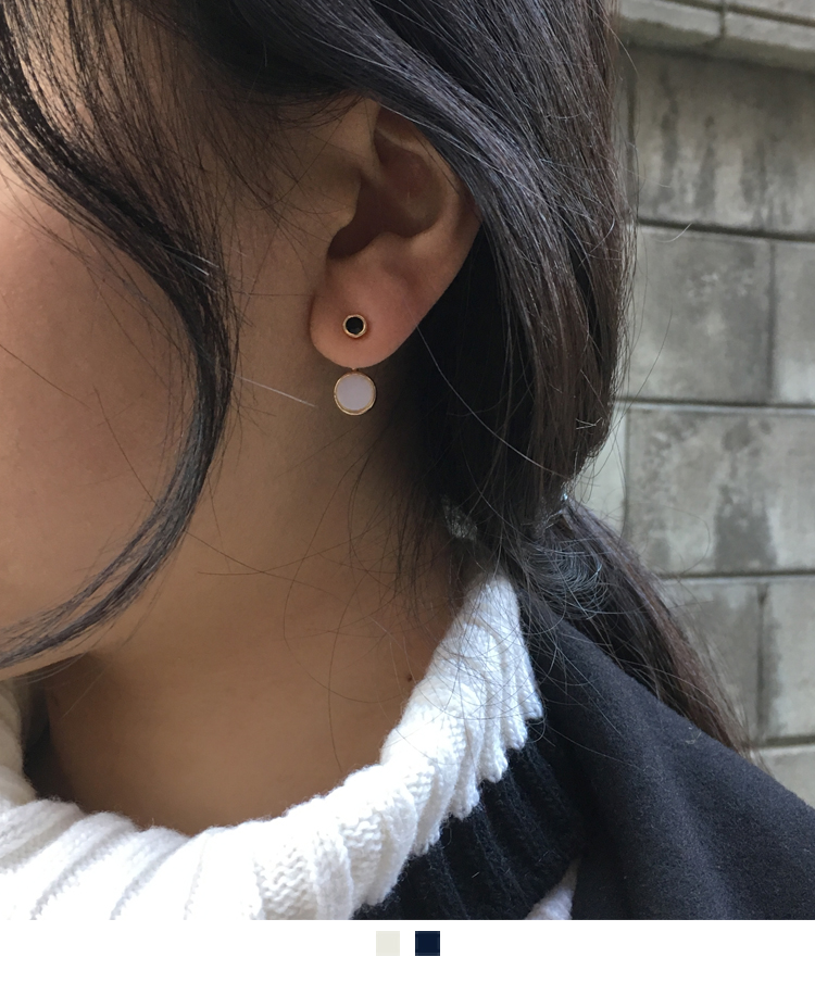 Two-Tone Circle Stud Earrings