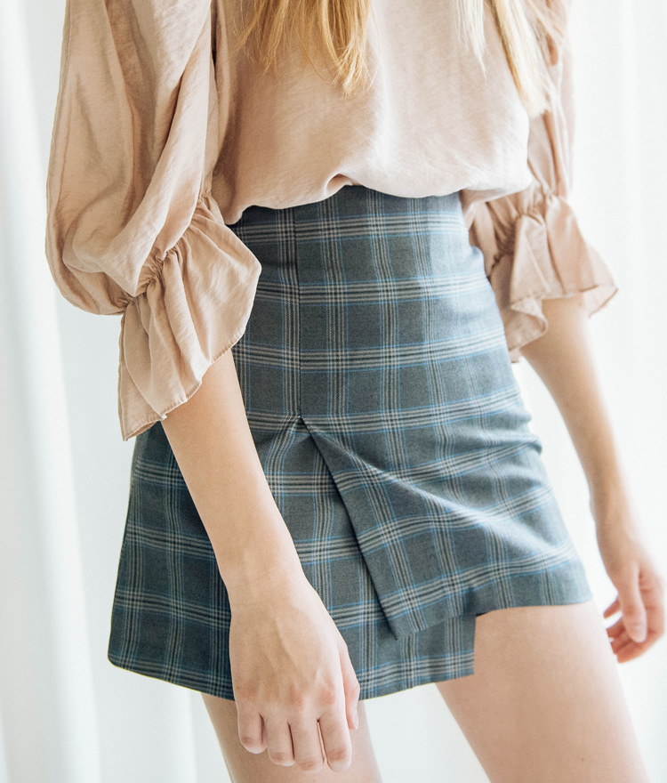 Asymmetrical Hem Check Mini Skirt